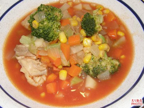 野菜いろいろチキントマトスープ
