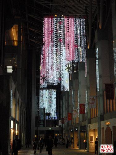 2009年の丸の内オアゾのクリスマスイルミネーション