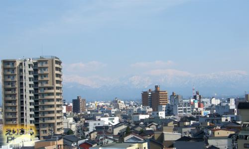 富山マンテンホテルから見た立山連峰