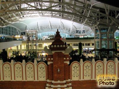 デンパサール イ・グスティ・ングラ・ライ国際空港