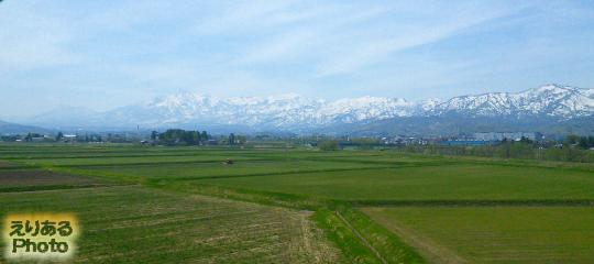 北陸新幹線「かがやき」の車窓から立山連峰