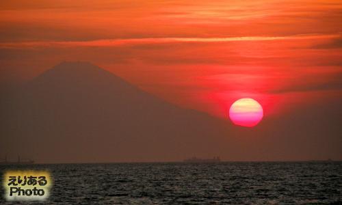 南房総・館山・北条海水浴場から見た夕陽