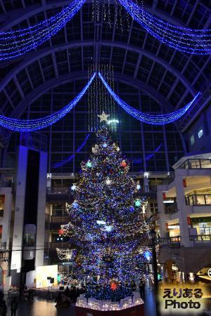 サッポロファクトリー ジャンボクリスマスツリー
