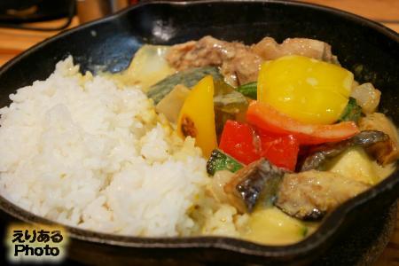 ごろごろ夏野菜のタイ風グリーンカレー@野菜を食べるカレー camp express