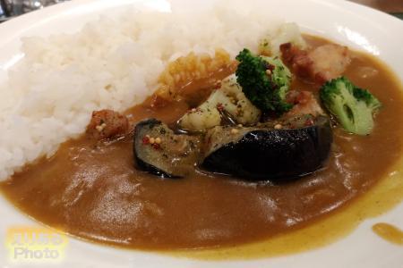 グリルチキンと温野菜のカレー@カレーショプ C&C Echika fit 永田町店
