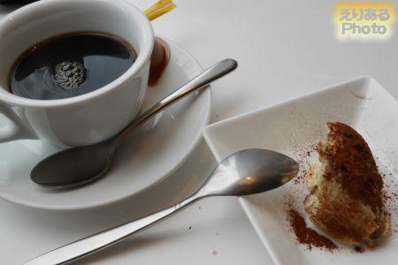 コーヒーとプチドルチェ