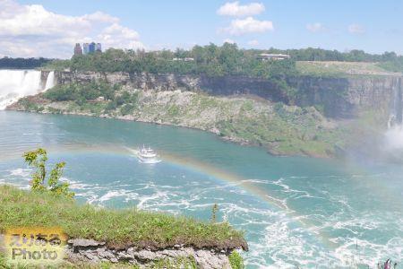 ナイアガラパークスから見たナイアガラの滝