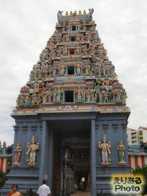 スリ・スリニバサ・ペルマル寺院
