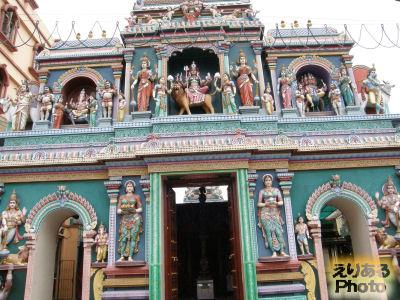 スリ・バダパティラ・カリアマン寺院(Sri Vadapathira Kaliamman Temple)