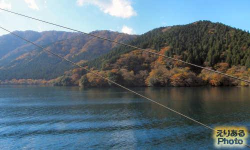紅葉の箱根・芦ノ湖