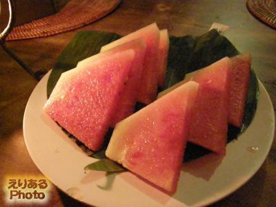 スペシャルセットのデザート@イカン・バカール Menega Cafe