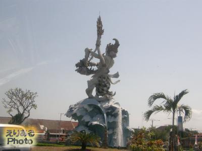 デワ・ルチ像
