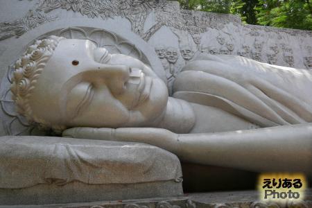 C涅槃仏hua Long Son(ロンソン寺) 涅槃仏