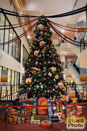 2016年の南砂町ショッピングセンターSUNAMOのクリスマスツリー