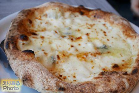 クアトロ フォルマッジ@Trattoria Pizzeria LOGiC Marina Grande
