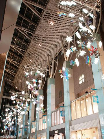 2005年の丸の内オアゾのクリスマスイルミネーション